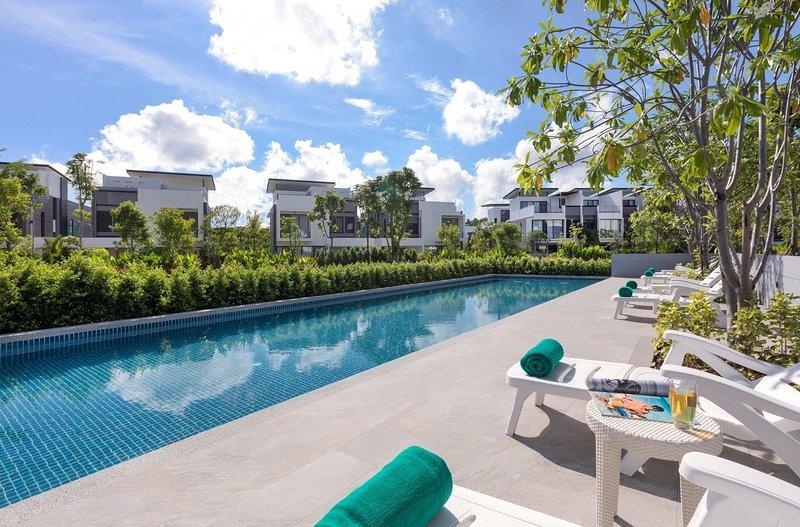 4 BDR Laguna Park Phuket Holiday Home, Nr. 14, casa vacanza a Si Sunthon