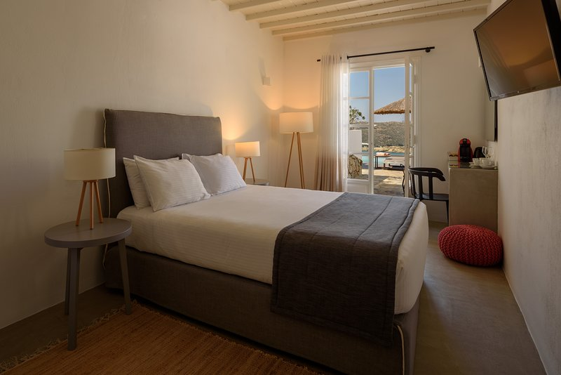 COVA MYKONOS - JUNIOR SUITE, holiday rental in Elia