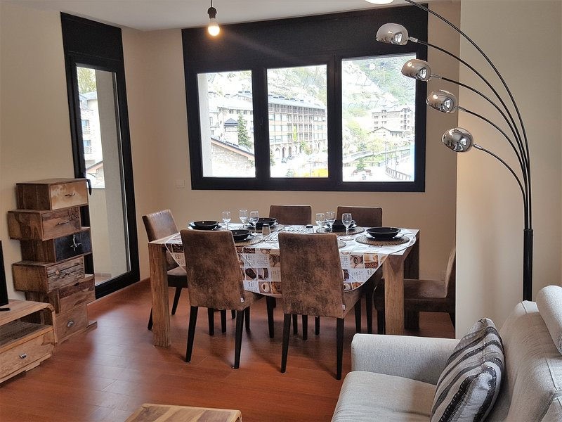 Canillo 50 mts Telecabina GRANVALIRA, holiday rental in Ordino