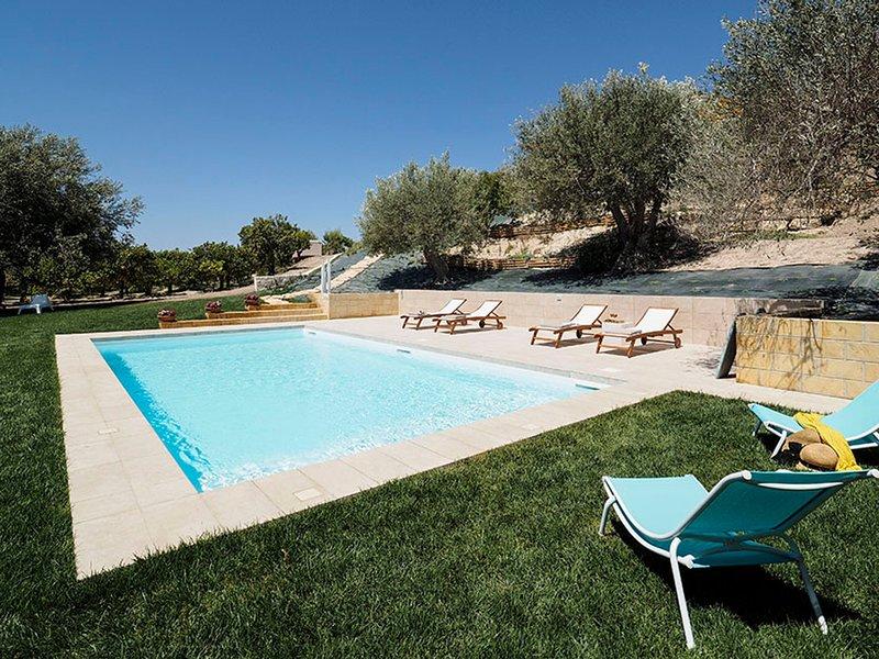 Lido di Noto Apartment Sleeps 5 with Pool Air Con and WiFi - 5674728, alquiler vacacional en Lido di Noto