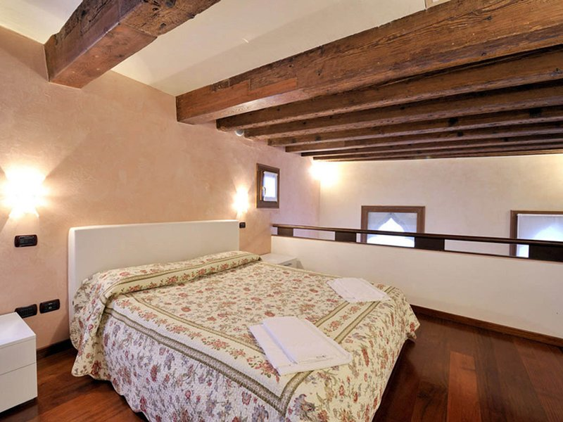 Vignola Piccola Apartment Sleeps 4 with Air Con and WiFi - 5248504, vacation rental in Lido di Venezia
