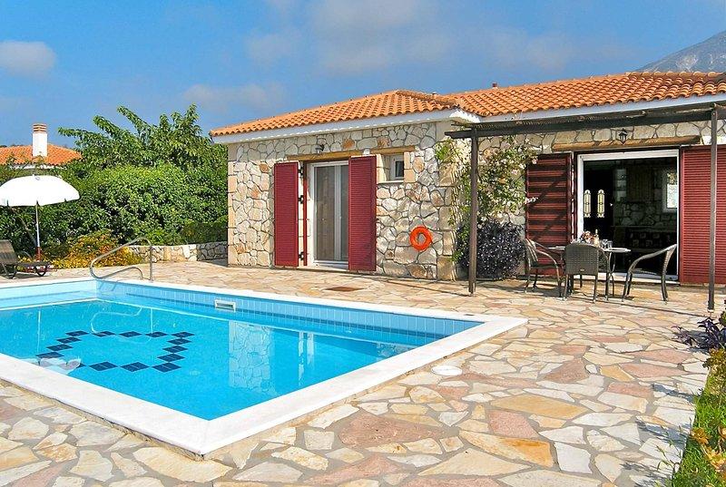 10 mins walk to shops & restaurants, beach 20mins, casa vacanza a Karavadhos