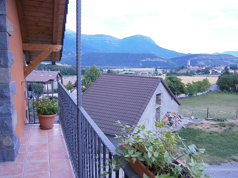 Apartment with mountain view, vacation rental in Espuendolas
