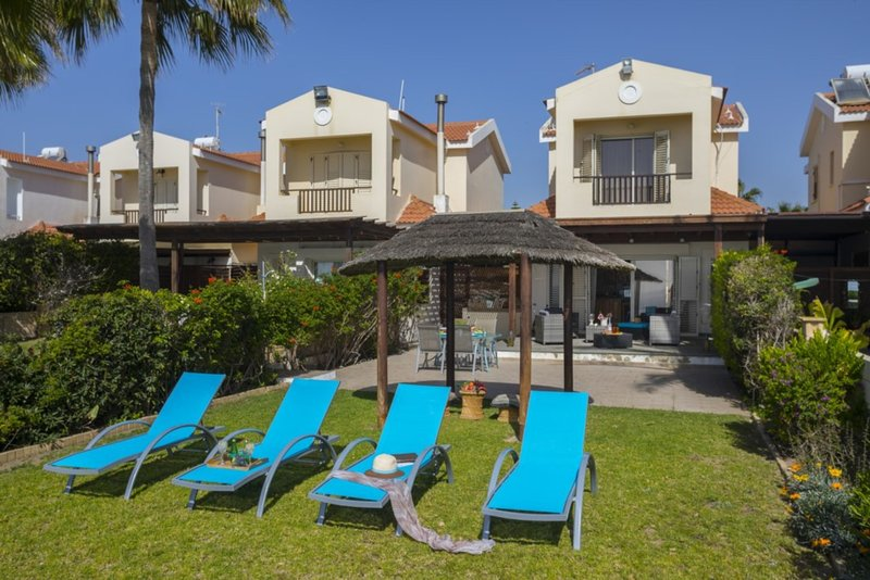 You Will Love This Luxury Beachfront Villa near Larnaca, Villa Larnaca 1011, holiday rental in Kiti