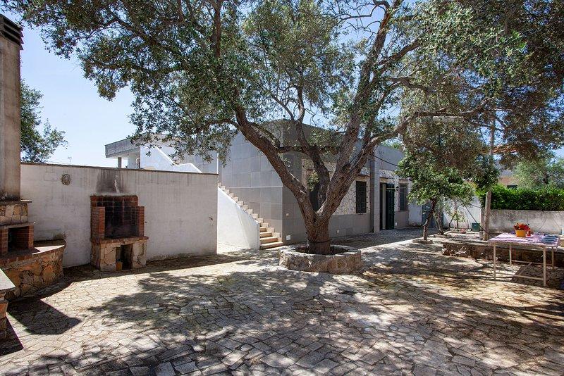 Villa spiaggia Dune Porto Cesareo 4 camere m150, holiday rental in Scala di Furno