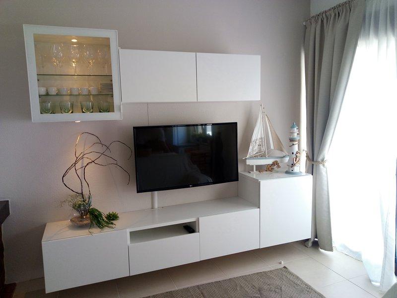Apartamento T1+1 Praia da Consolação, holiday rental in Atouguia da Baleia