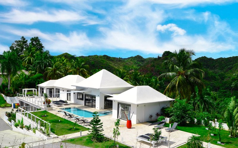 LA VILLA LAS TERRENAS.MODERN VILLA, 10+2 extra bed, holiday rental in Samana Province