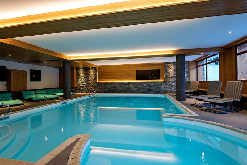 Spend your vacation on the slopes, or relaxing in the on-site indoor pool and sauna.