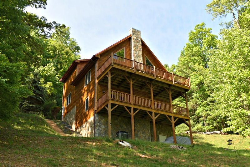 Appalachian Retreat-Great Mountain Views, Pet Friendly, WIFI, fireplace, holiday rental in Fleetwood