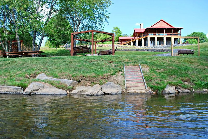 New River Retreat Lodge - West Jefferson NC, holiday rental in West Jefferson