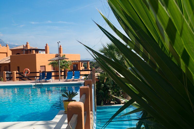 Gazules Del Sol Apartment, holiday rental in Benahavis