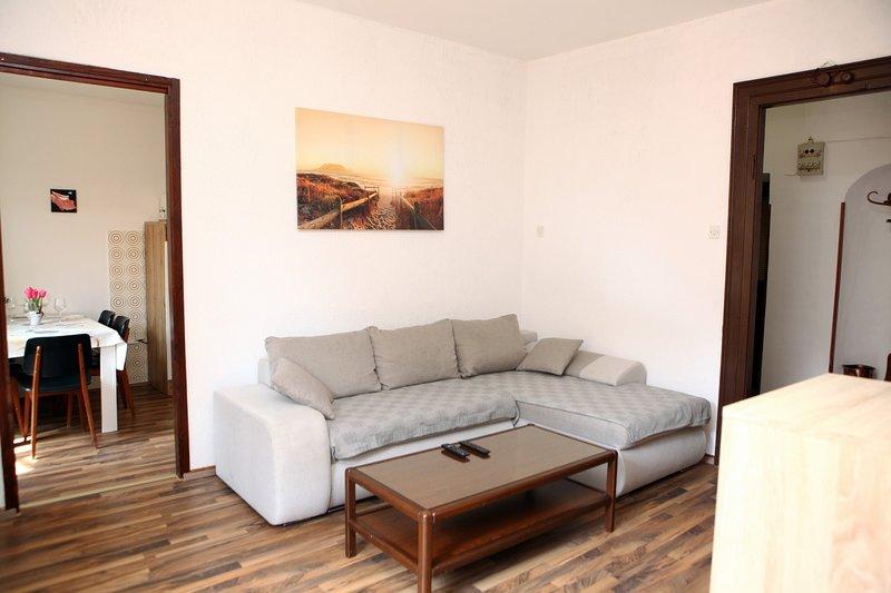 Apt. Center Koper MI2, holiday rental in Hrvatini