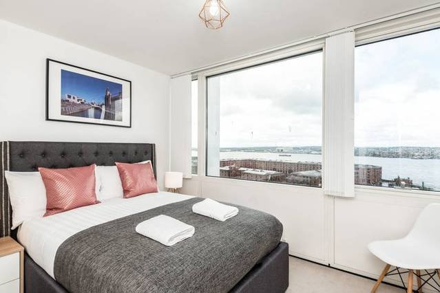 Waterfront Apartment Albert Dock Views, holiday rental in Wallasey