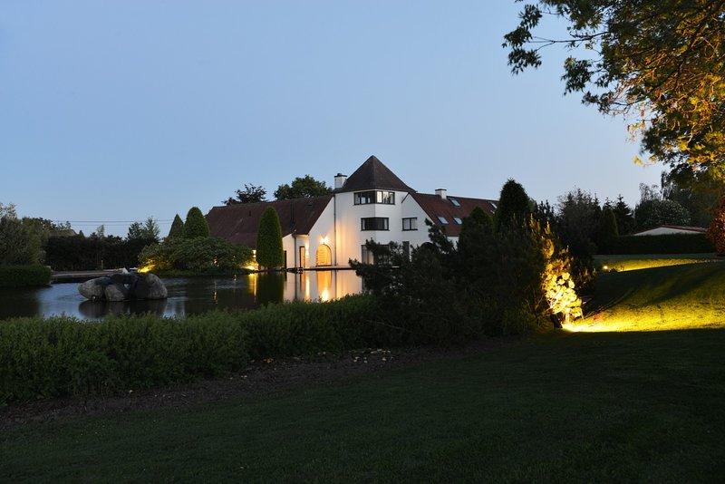 Gastenverblijf Hof van Eine, location de vacances à Dentergem