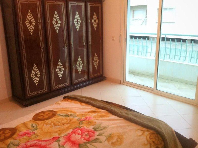 Beautiful apt with balcony & Wifi, vacation rental in Rabat-Sale-Zemmour-Zaer Region
