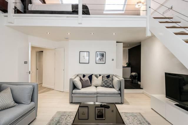 Stylish Penthouse Loft in Historic Centre!, vacation rental in Birkenhead