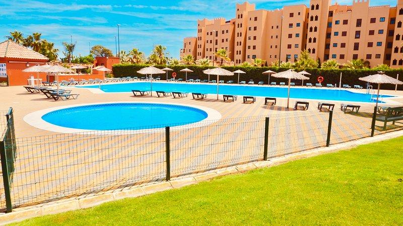 Isla Canela - My Sunny Apt Luxury A10, holiday rental in Isla Canela