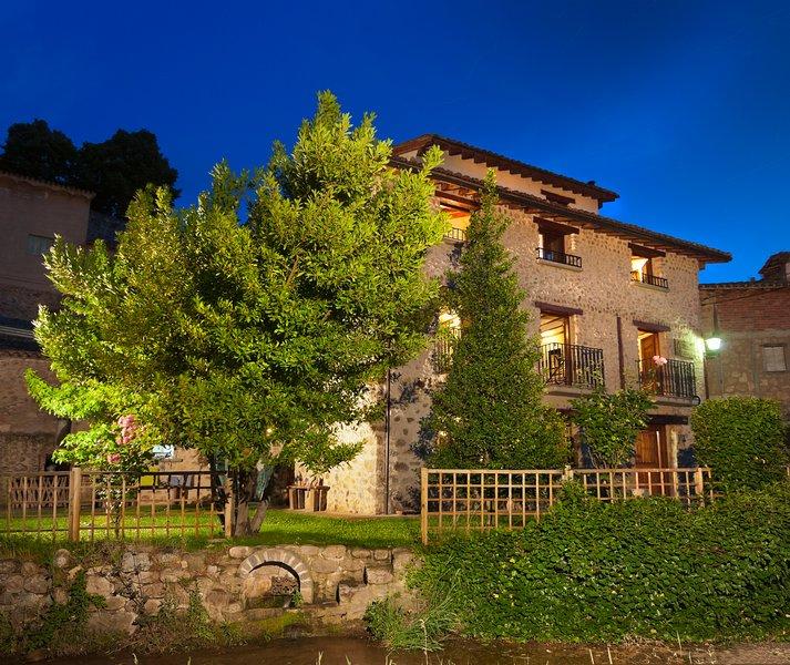 Casa Rural Villa Liquidámbar I, centro de La Rioja, holiday rental in Pradillo