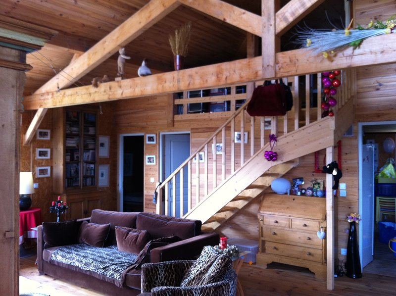 Beautiful chalet with mountain view, vacation rental in Caramany