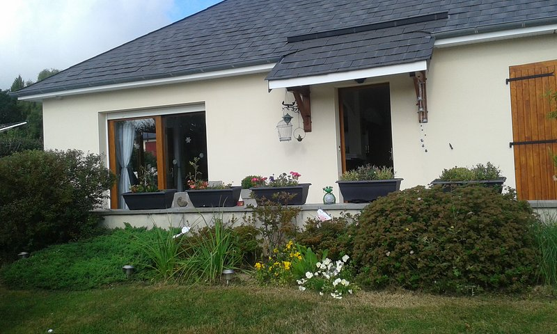 Beautiful house with garden & Wifi, holiday rental in Margerides