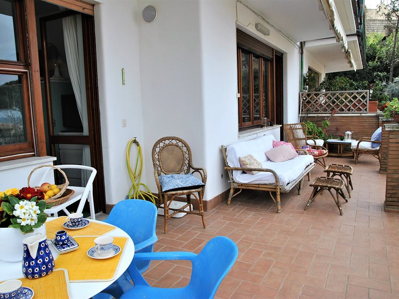 Sperlonga Apartment Sleeps 6 with WiFi - 5778026, holiday rental in Sperlonga