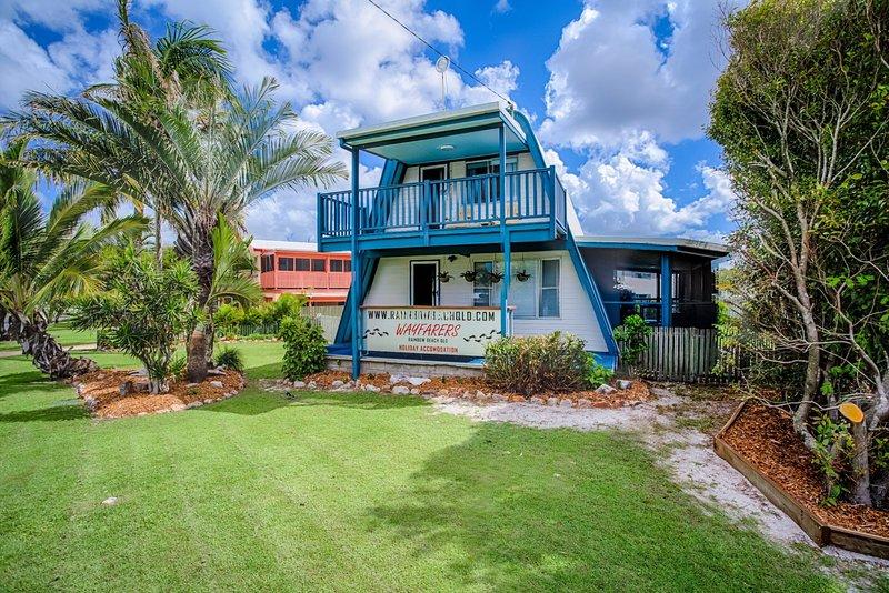 Wayfarers Beachouse - Rainbow Beach, vacation rental in Gympie Region