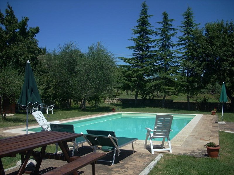 Castiglione d'Orcia Villa Sleeps 6 with Pool and WiFi - 5247832, holiday rental in Gallina