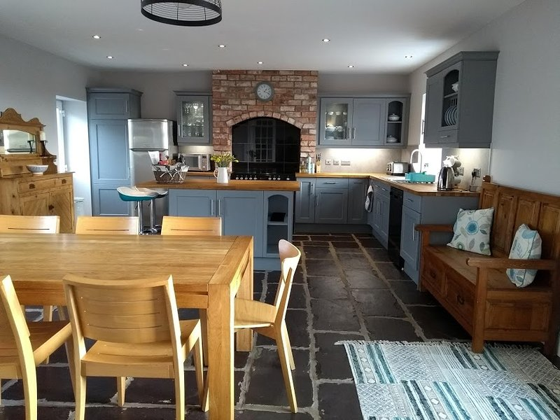 The Old Post Office on the Causeway Coast, vacation rental in Armoy
