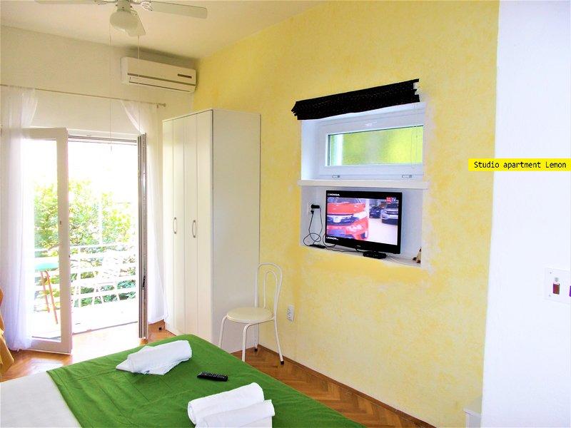 Studio Apartment Lemon, holiday rental in Podgora