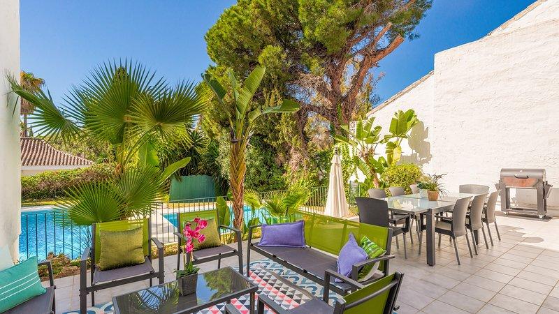 A Charming Villa Amatista in Puerto Banus for Short Term Rent (2), vacation rental in Marbella