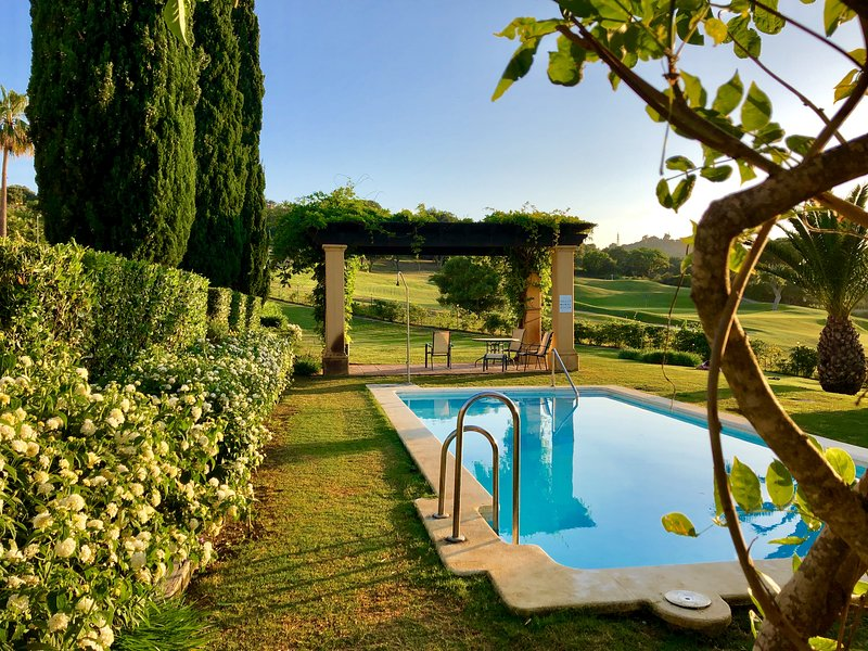 Lovely pool with shadow pergolas