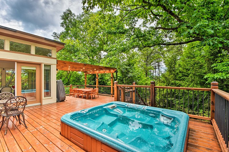 Spend an evening dining al fresco and unwind in the hot tub after!