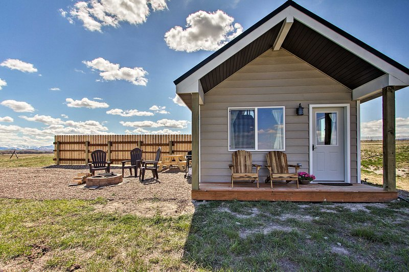 Custom Cabin Augusta Mt 360 View on Rocky Mtn Frnt, holiday rental in Augusta