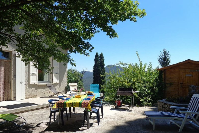 Spacious house with mountain view, vacation rental in Chabeuil