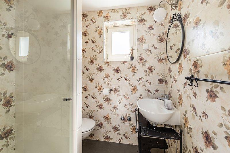 Villa Demer // 1st floor // Bathroom