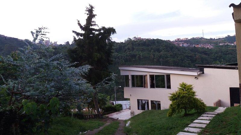 Tranquilidad, aire puro, vista de pajaros, zonas verdes, vista panoramica – semesterbostad i Caldas Department
