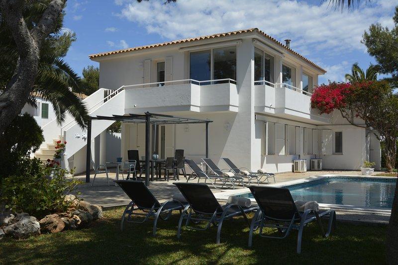 VILLA CAROLINA [The Green Spot], vacation rental in Menorca