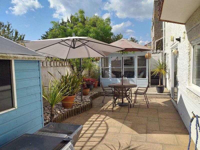 Driftwood Garden Apartment Southbourne, alquiler vacacional en Bournemouth