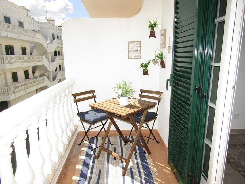 Twins House a 1Km da Praia de Cabanas de Tavira, holiday rental in Conceicao