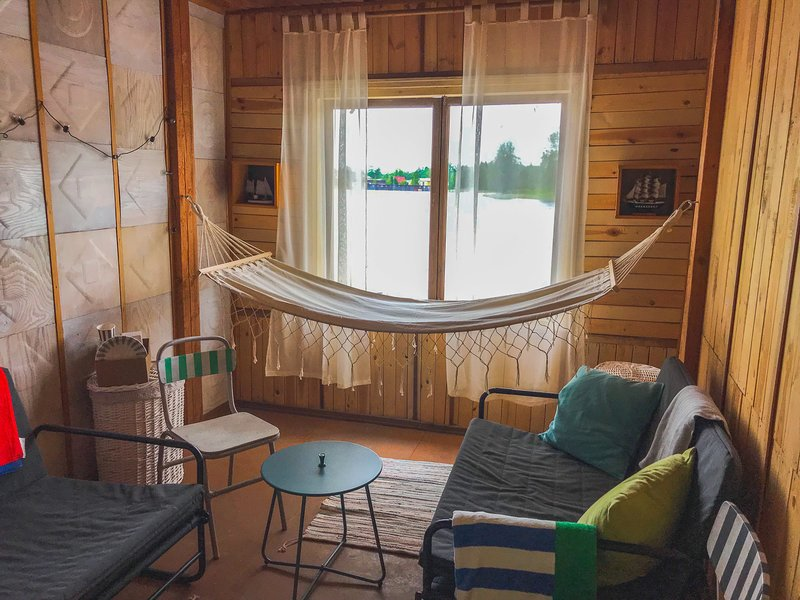 Bed&Boat a two-story boathouse (complete with boat) – semesterbostad i Misso