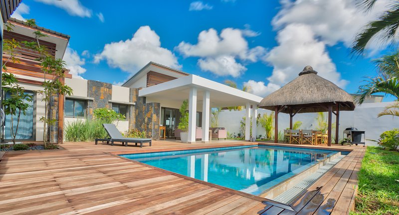 ATLANTIS Luxury Villa*****, holiday rental in Riviere du Rempart