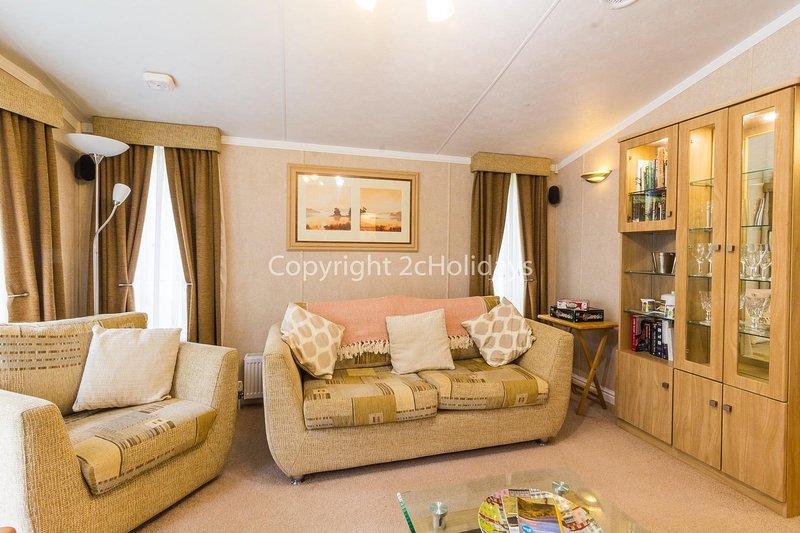 Beautiful lodge at Kelling Heath in Norfolk ref 25183KH, holiday rental in Holt