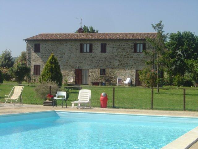 Casa Vacanze alle soglie di Assisi con piscina ideale per ramiglie con bambini!!, vacation rental in Bettona