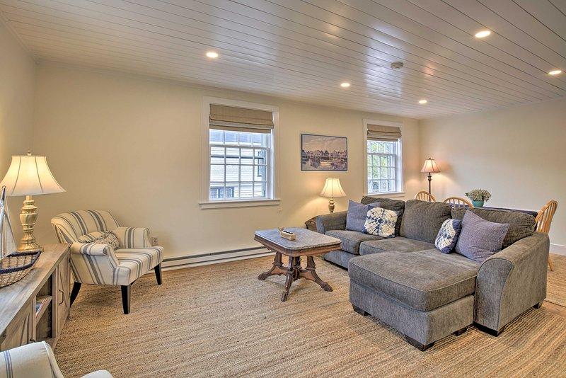 Ga weg naar dit charmante 1-slaapkamer, 2-bad vakantie appartement in Nantucket.