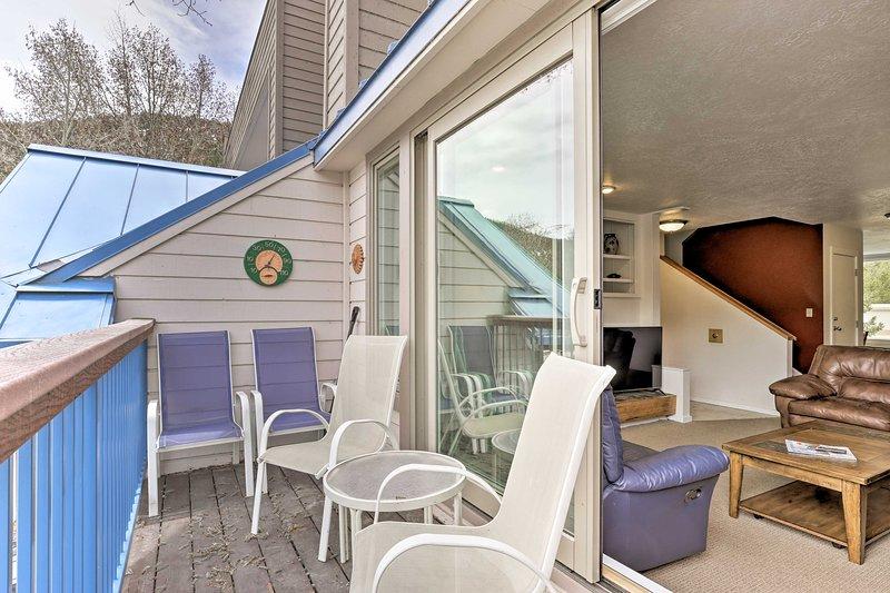 Prenota la tua vacanza in montagna Rocky a questa casa vacanza a 2 piani Keystone.
