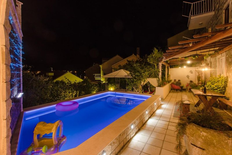 Three bedroom apartment Sustjepan, Dubrovnik (A-17308-a), holiday rental in Mokosica