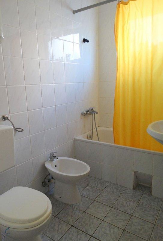 A2 (5) -Veliki: Bad mit WC