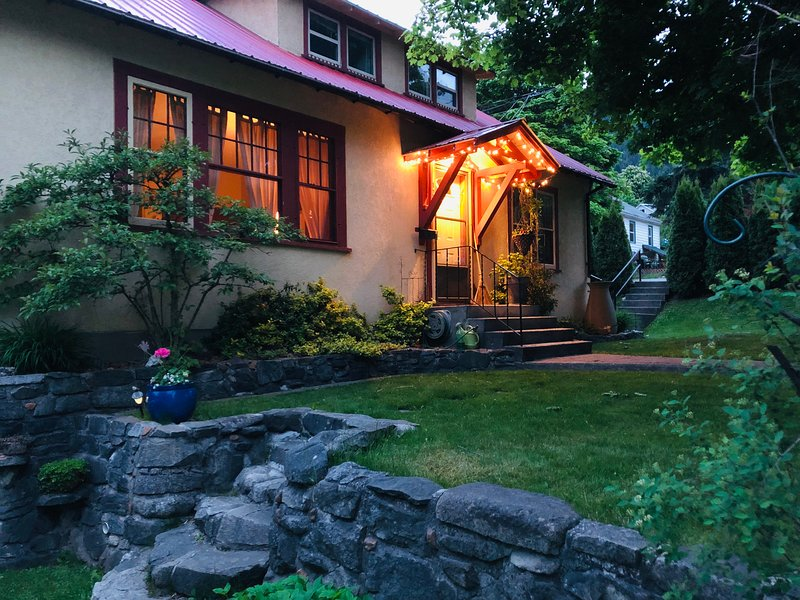 Heritage Charm Guesthouse, holiday rental in Nelson