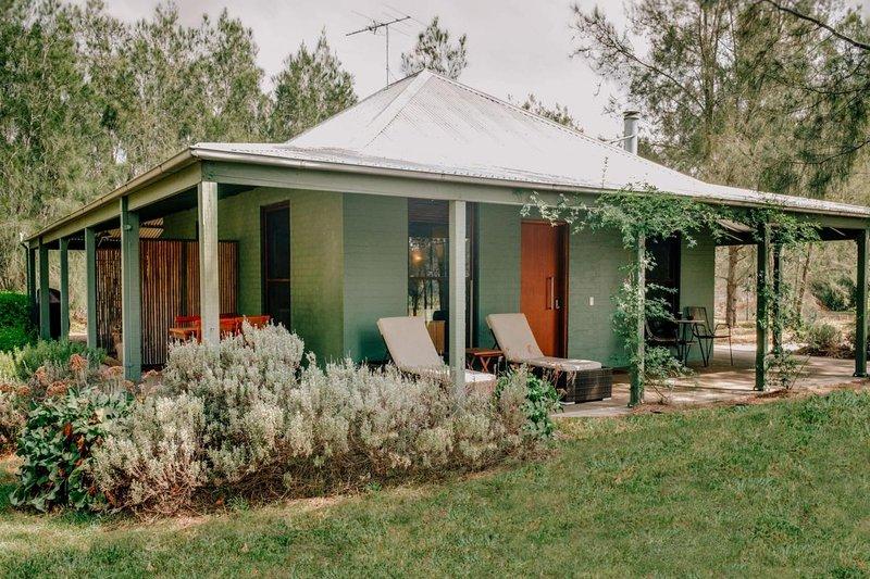 Hunter Valley Accommodation - Billabong Moon Artist Studio - Pokolbin - all