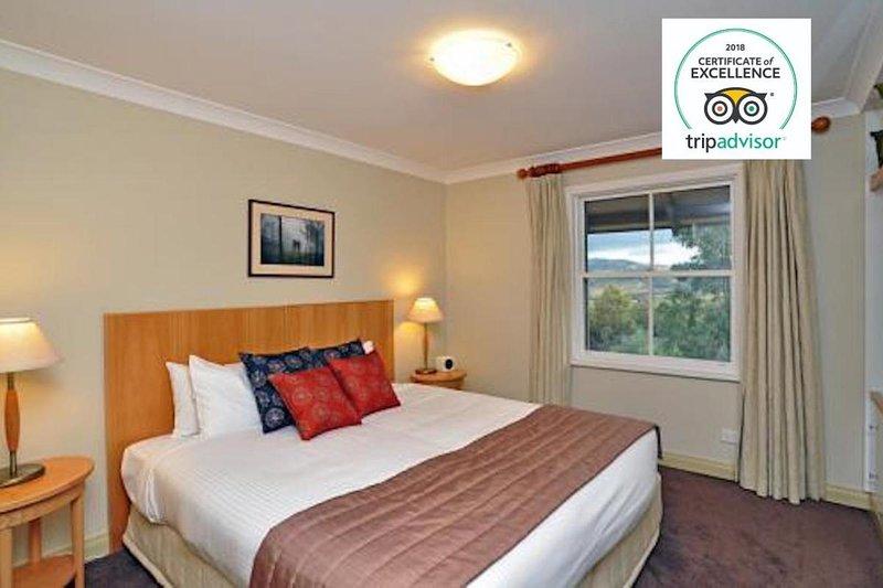Hunter Valley Accommodation - Villa Cabernet - Pokolbin - Bedroom